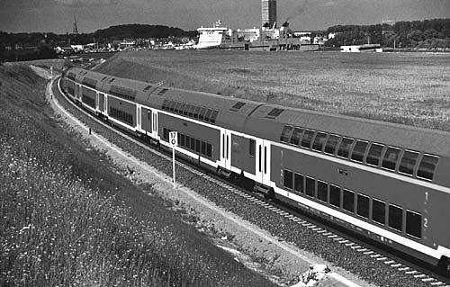 Zug beim Skandinavienkai in Travemünde