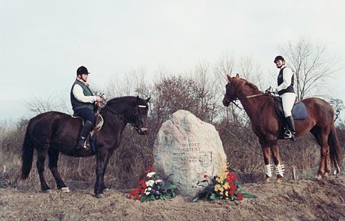 Gedenkstein an der Priwall-Grenze